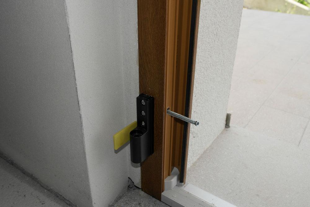 Montaggio infissi in pvc senza controtelaio - Montaggio finestre pvc senza controtelaio ...